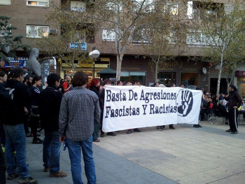 Ochenta personas se concentran en Zaragoza contra las agresiones fascistas
