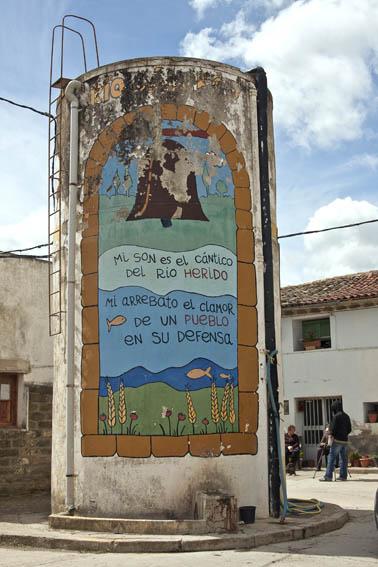 Biscarrués: 20 años luchando contra el hundimiento de su futuro