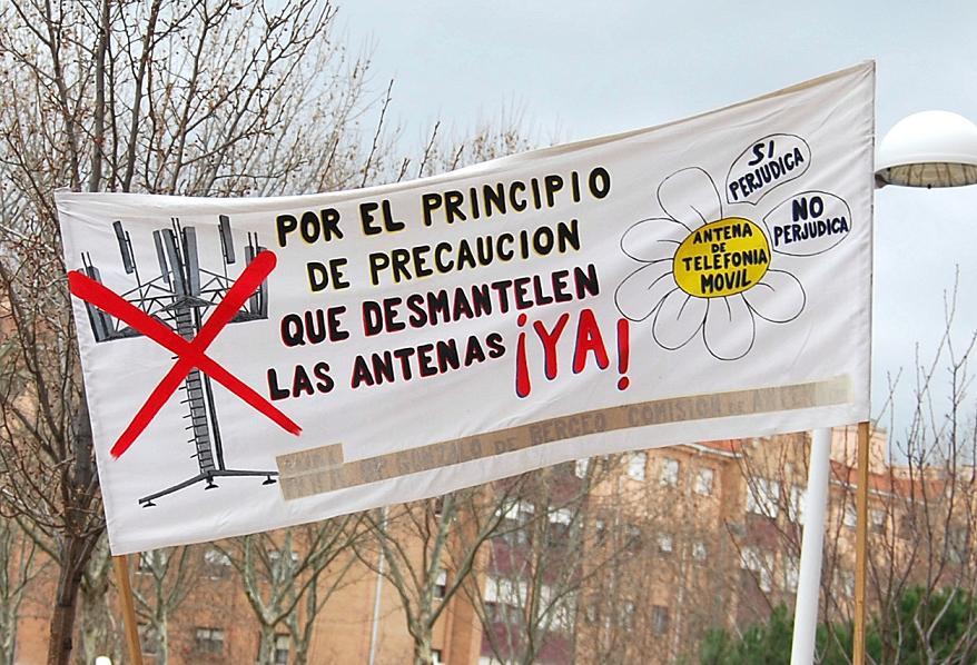 Contaminación electromagnética, una nueva plaga en el S.XXI: Entrevista a Juan Manuel y Ángel de Asides