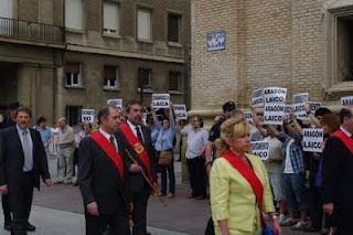 MHUEL ante la presencia de autoridades aragonesas en el Corpus 2012