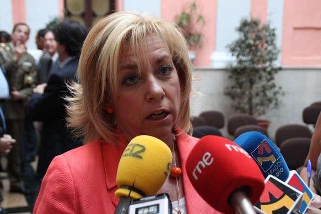 Piden la dimisión de la Consejera Dolores Serrat