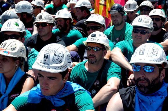 Detrás de las máscaras de los mineros