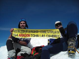El 15M lanza su campaña por una consulta popular sobre la deuda desde las cumbres de los Pirineos