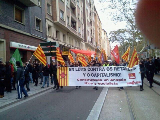 Gran afluyencia en a manifestación estudiantil de Zaragoza