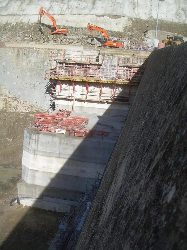 Deslizamiento de la ladera derecha en la presa de Yesa. ¿Está la CHE poniendo en riesgo la vida de las personas?