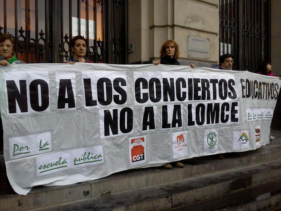 """Arranca en Zaragoza la campaña """"La Educación no es un servicio es un Derecho"""""""