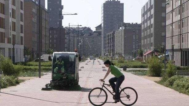 Duras críticas a la imposición del uso del casco en bicicleta planteada por la DGT