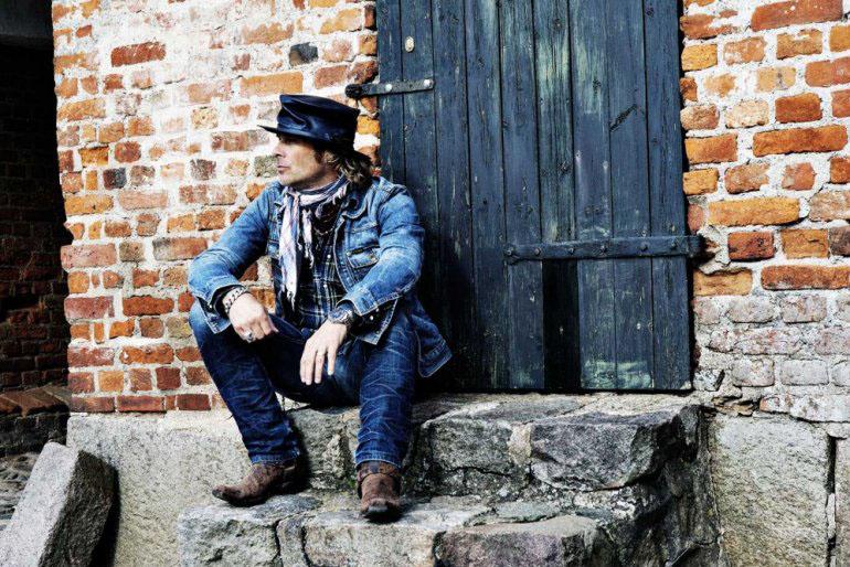 El ex White Lion, Mike Tramp, actuará en Zaragoza en un concierto acústico