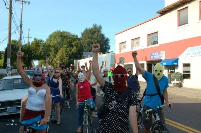 """""""Feministas radicales a vuelta con los pedales"""", bloque bicifeminista para el 8 de marzo"""