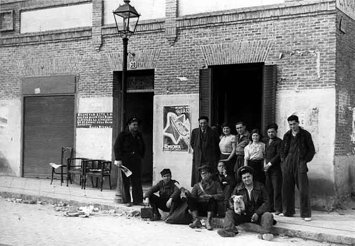 'Vivir en guerra. La zona leal a la República (1936-1939)', una lucha silenciosa