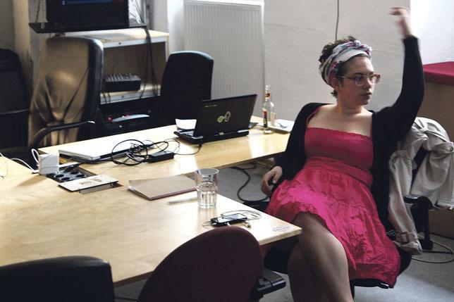 Explorar la clandestinidad en clave de género: mujeres hacker