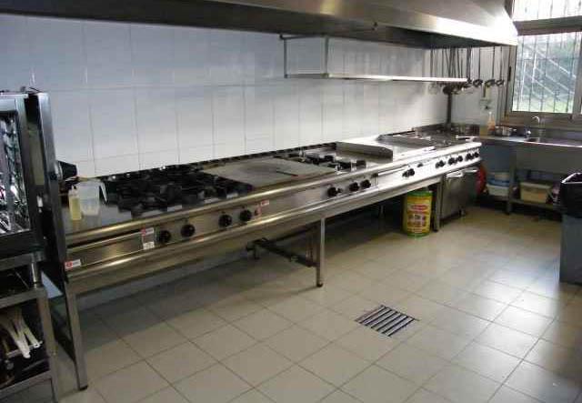 Las Trabajadoras De Cocina De La Base Aérea De Zaragoza Se Quedan