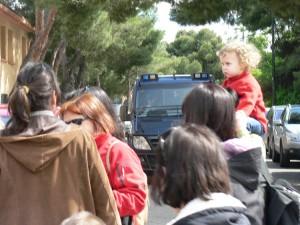 19 mayo 2013.- Agentes de la policía española identificaron a padres y madres de Marea Verde en Torrero. Foto: José Antonio García (Timu)
