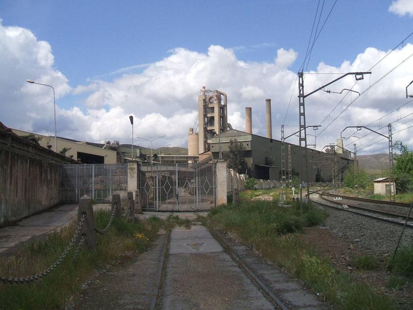 Ecologistas en Acción presenta un recurso contra la incineración de basuras en la cementera de Morata