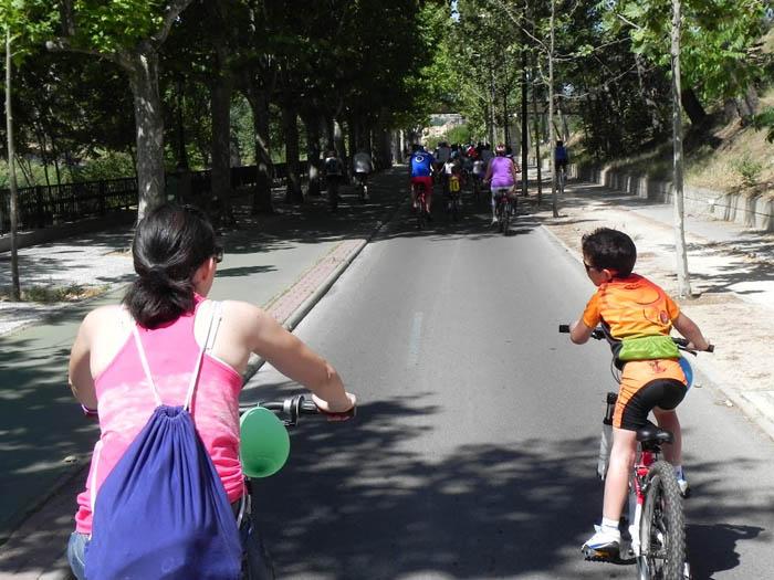 Ecologistas en Acción rechaza la imposición del casco en bicicleta y reclama medidas más efectivas contra los accidentes