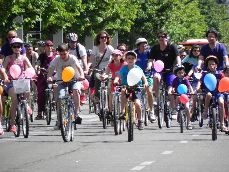 La séptima edición de la Bicicletada de Zaragoza reivindicará los 'Caminos Escolares'