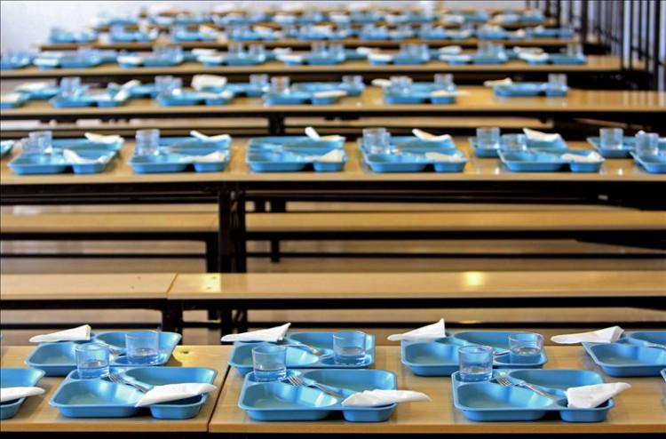 La licitación de los comedores escolares se retrasa por fallos en el listado del personal a subrogar
