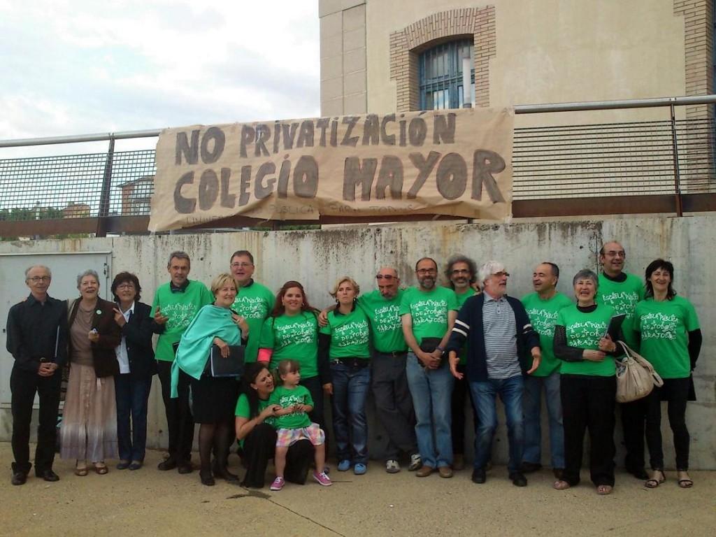 El Coro Universitario de Uesca se une a las protestas contra la privatización del Colegio Mayor Ramón Acín