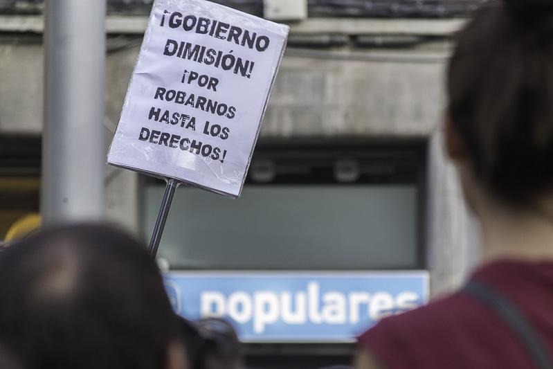 """Zaragoza se suma a """"Rodear la plaza"""" contra la investidura de Rajoy"""