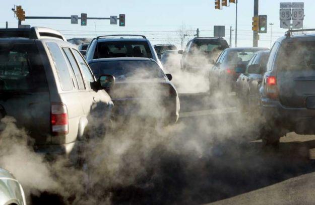 Un informe de la organización T&E asegura que los coches diésel son peores para el clima que los de gasolina