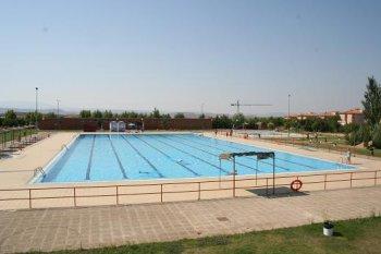 CNT denuncia que el Ayuntamiento de Teruel omite los derechos laborales en su valoración de las piscinas municipales
