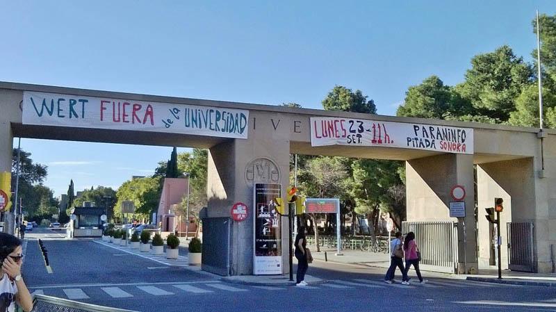 La Junta de PAS de Unizar denuncia que «no estamos para celebraciones» y convoca a la concentración del día 23 en el Paraninfo