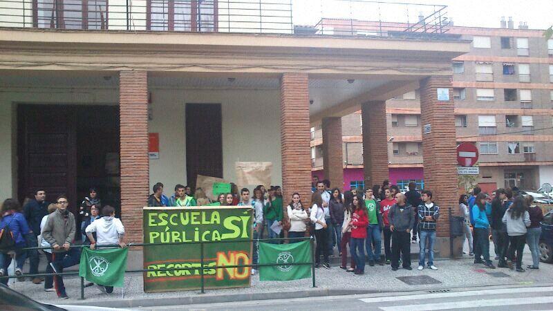 IU Aragón apoya la semana de protestas contra la política educativa del PP y reclama la retirada de la LOMCE