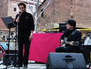 Javier Gallego y Javier Colis durante el acto en las Barras Indignadas. Foto: AraInfo
