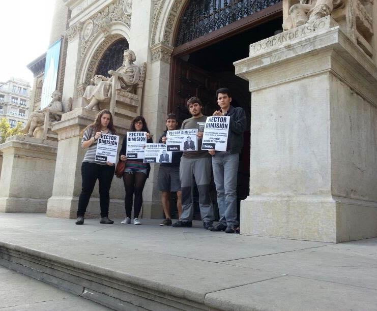 Estudiantes piden la dimisión del Rector de la Universidad de Zaragoza