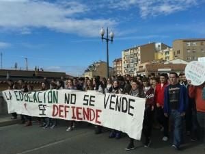 Manifestación de estudiantes en Teruel en la huelga general en Educación del 24O. Foto: AraInfo