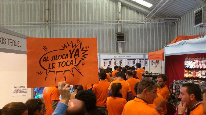 Decenas de personas se manifiestan al grito de «al Jiloca ya le toca» en la inauguración de Expocalamocha 2013