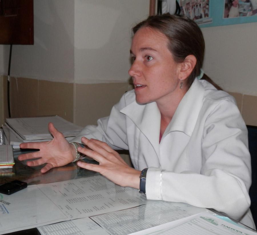 Calle, sanidad y proyectos. Mónica Lasheras, una médica y cooperante aragonesa en Bolivia