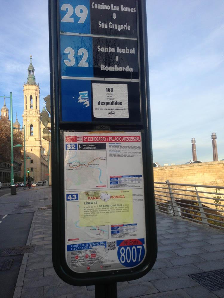 IU reclama la revisión del servicio de información de los postes de autobús
