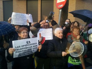 Vecinos y vecinas de La Paz en una de las protestas contra la instalación de la antena. Foto: AV La Paz