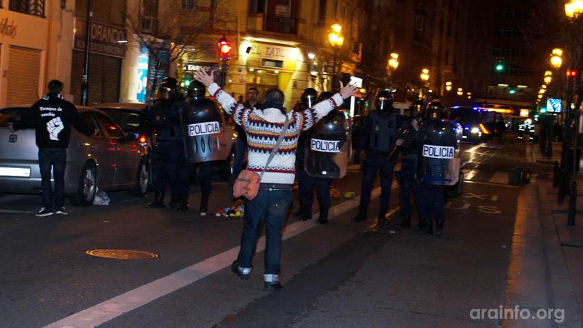 """La AV Lanuza Casco Viejo """"con rabia e indignación"""" denuncia las cargas policiales en Zaragoza"""