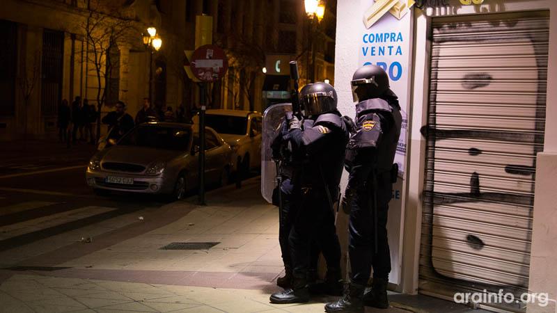 """La UJCE condena """"la represión policial sufrida en Zaragoza"""" durante la movilización en apoyo al barrio de Gamonal"""