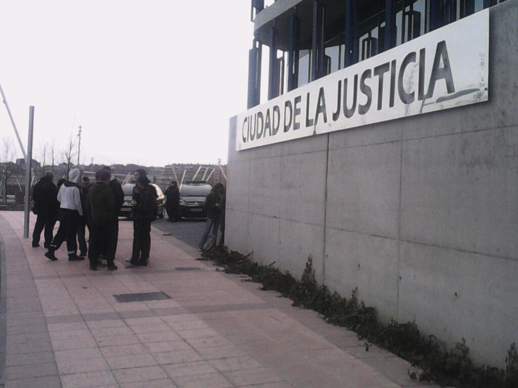 """En libertad sin cargos las dos personas detenidas el sábado en Zaragoza tras la manifestación """"Gamonal somos todas. La calle es nuestra"""""""