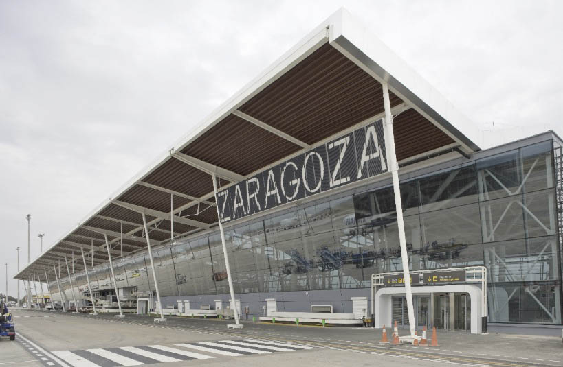 """Denuncian la situación de """"precariedad y faltas de medidas"""" de seguridad laboral en el aeropuerto de Zaragoza"""