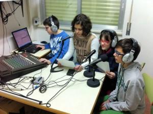 Alumnos y alumnas del Taller de Radio del IES Baix Cinca de Fraga.