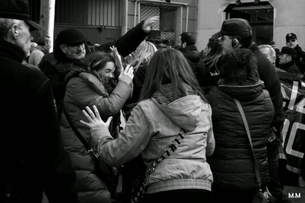 La violencia policial clausura la Convención del PP en Valladolid