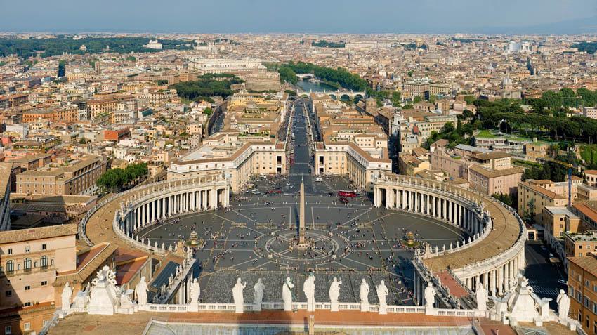 El Vaticano no debe formar parte de la ONU, ni siquiera como observador