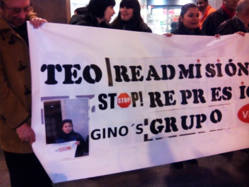 Concentración por la readmisión de la trabajadora despedida en Gino's-Vip's de Zaragoza