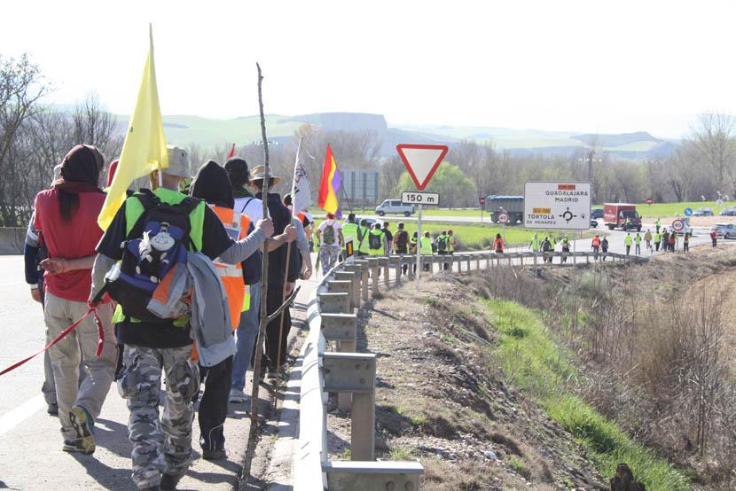 La columna Nordeste llega a Marchamalo a solo 55 kilómetros de Madrid