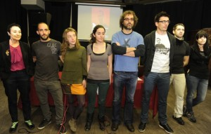 Abogada, familiares y amigos de Iñigo Cabacas en la comparecencia de este viernes en Bilbo. Foto: Argazki Press