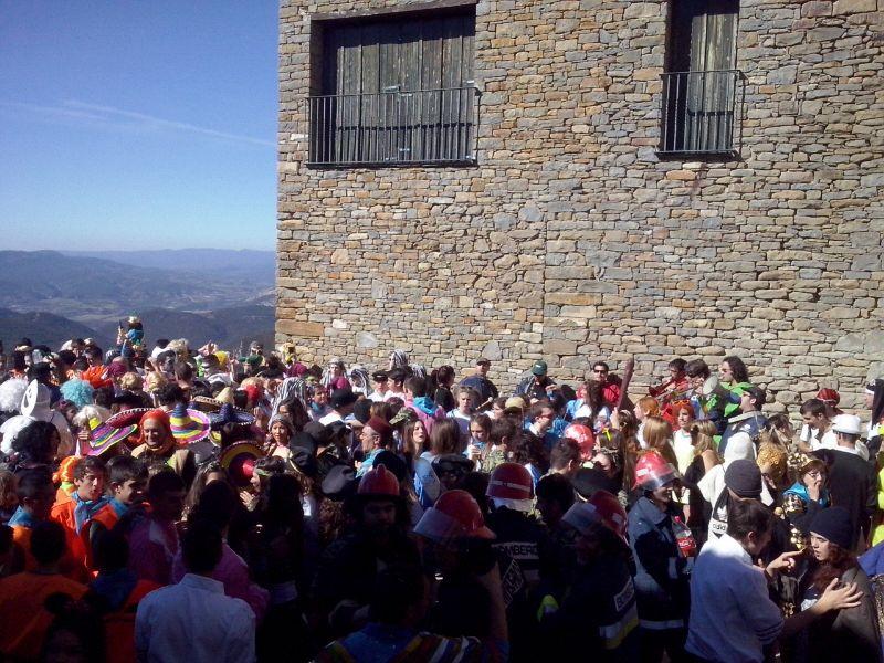 El carnaval itinerante de A Fueva cierra los carnavales de Sobrarbe