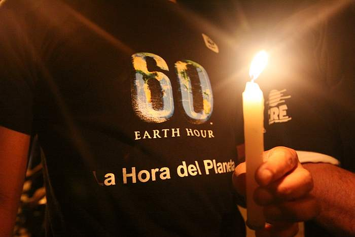 WWF celebra diez años de movilizaciones por el clima con la Hora del Planeta