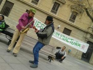 Músicos del Pirineo con buena música contra el fracking. Foto: 15M Uesca