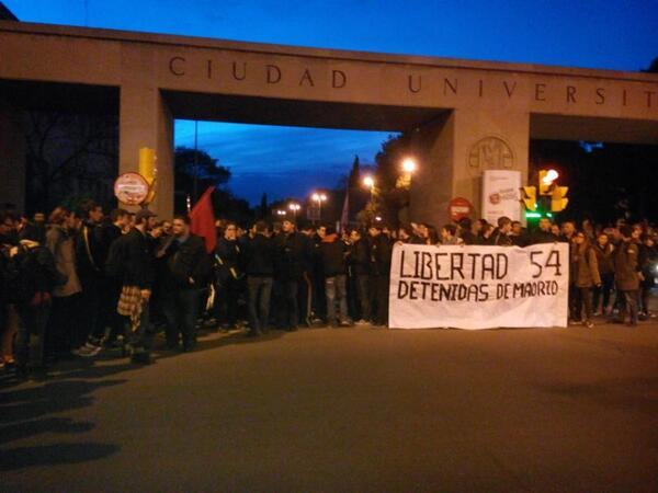 Un millar de estudiantes se manifiesta en Zaragoza contra la LOMCE