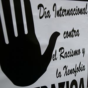 Zaragoza se concentra contra la xenofobia en el Día Mundial contra el Racismo
