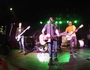 El Drogas durantes su actuación de este sábado en la López. Foto: E.G.F.
